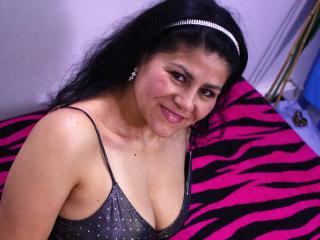 SweetieHarlei - online chat nude with this latin Mature