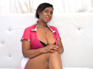 TeachSex - Live cam nude with a black hair Mature
