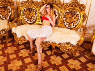 SquirtyXEleanor - Web cam exciting with a European Sexy lady
