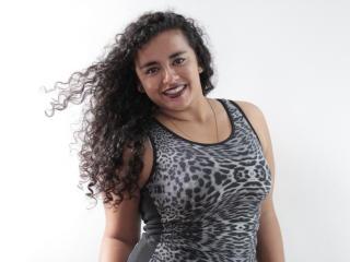 Photo de profil sexy du modèle Yennci, pour un live show webcam très hot !