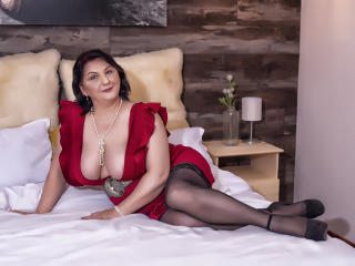 MILFPandora - online chat sexy with this MILF with big bosoms