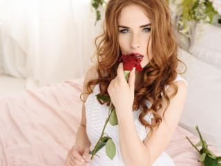 Egrett - Web cam exciting with this immense hooter Nude babe