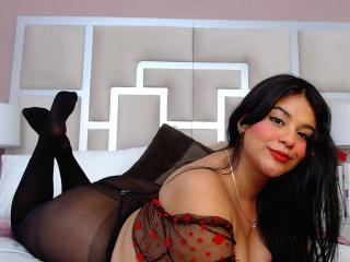 Photo de profil sexy du modèle KarlaLewis, pour un live show webcam très hot !
